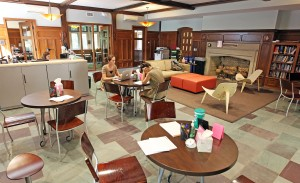 Welcome to the Vanderbilt Writing Studio in beautifully renovated Alumni Hall! (Steve Green / Vanderbilt University)